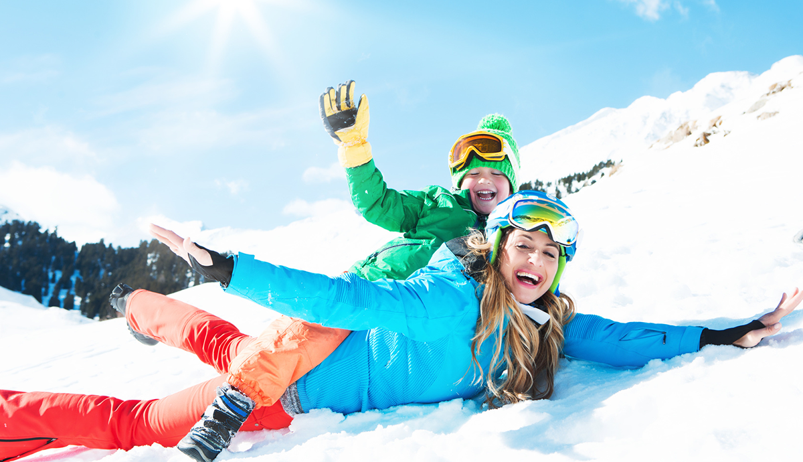 vacances hiver famille joie