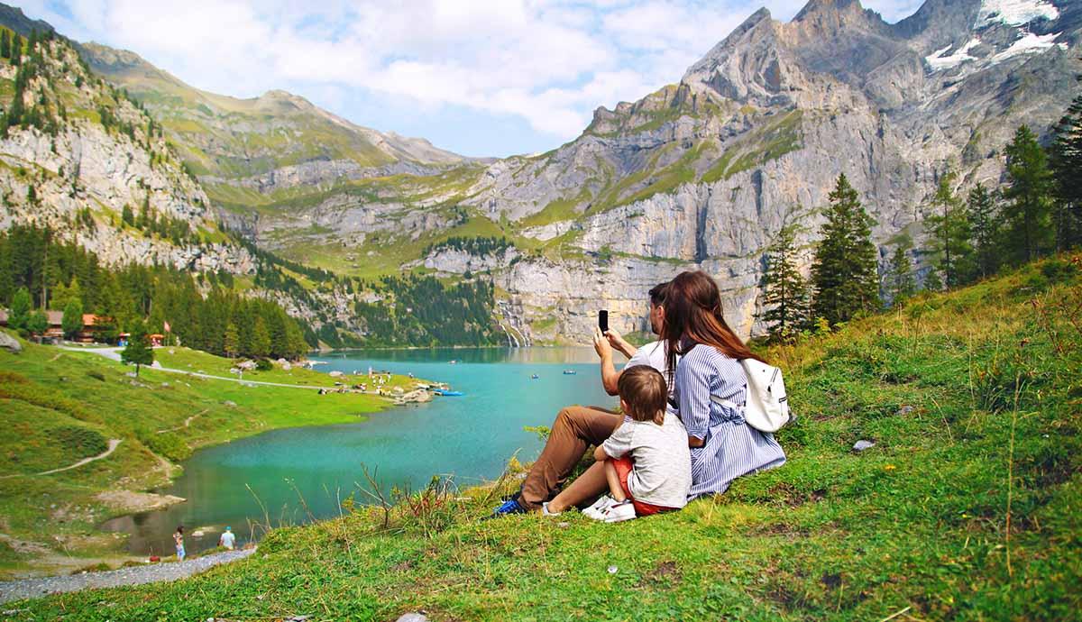 vacances famille montagne lac